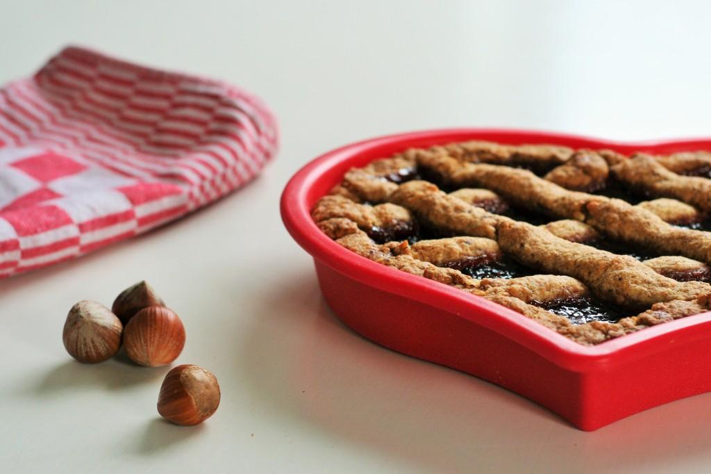 heart-shaped-linzertorte-hazelnuts