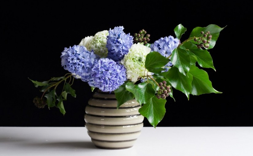 Flower arranging step-by-step with hyacinths and ranunculus