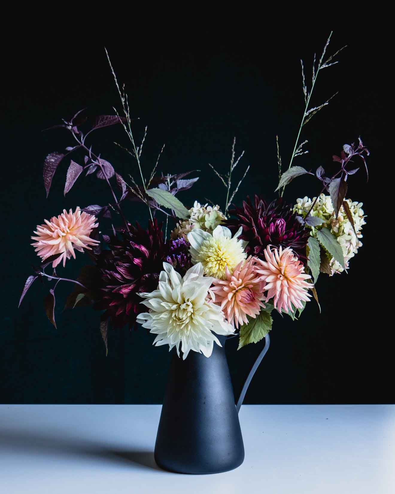 5 easy flower arrangement ideas with dahlias - Cloverhome.nl