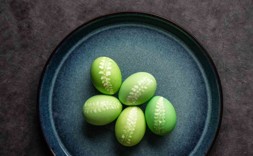 Botanical Easter eggs DIY