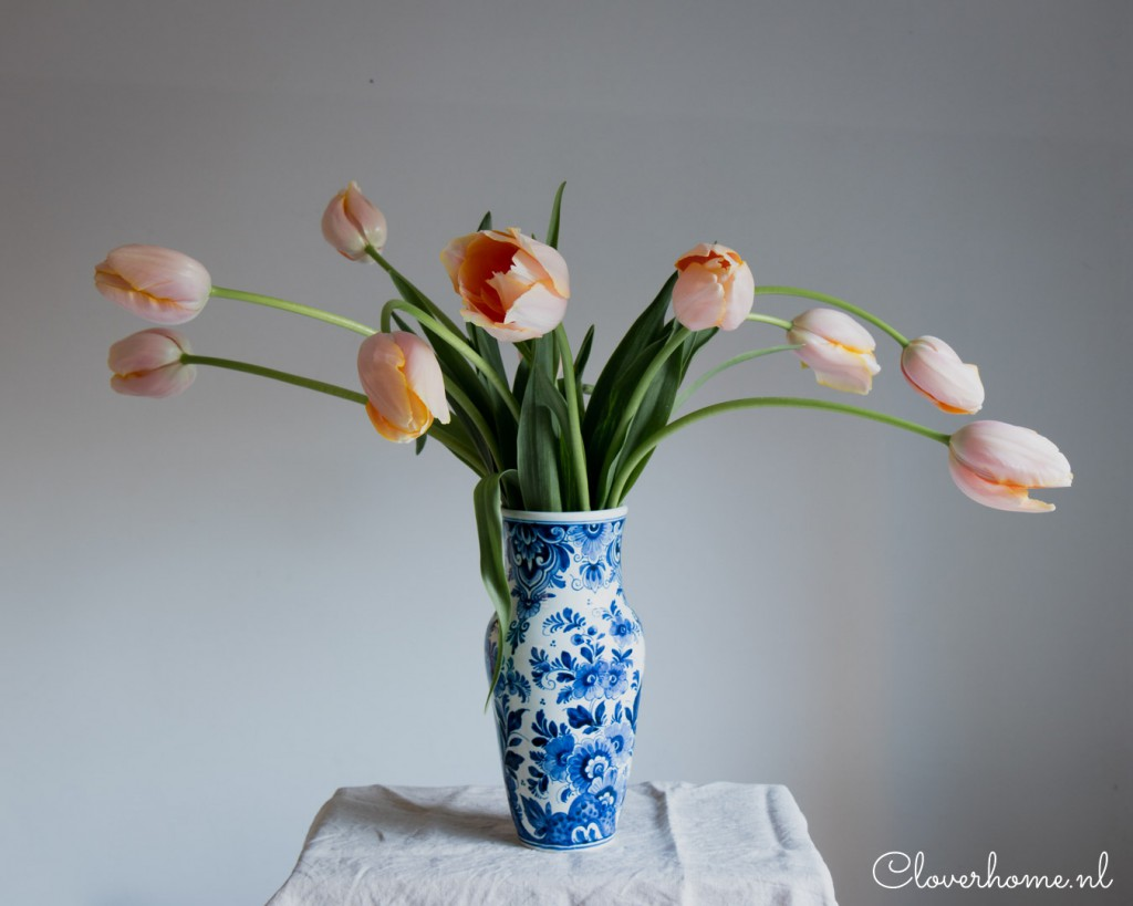Join me in this blog post where I show you how to make the most of a bunch of tulips and create a simple tulip flower arrangement.