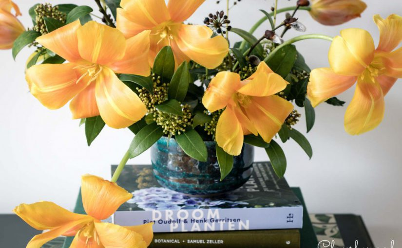 Simple tulip flower arrangement: ideas and tips